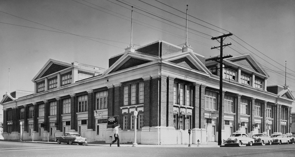 Fresno Auditorium a few months before it was torn down in 1960.  Completed in 1914, the building seated 6,000 and was located at the corner of Kern and L streets.
